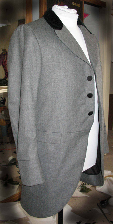 NY walking suit coat - light gray wool with velvet accent